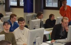 Arbeit im Cax-Labor --> Bild in groß